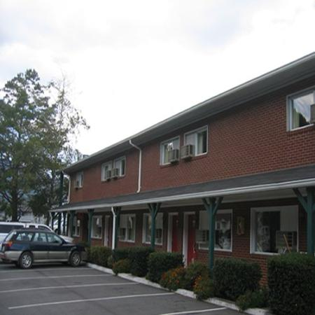 Red Carpet Inn Boone: Exterior View