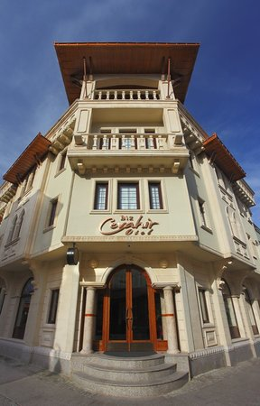 Biz Cevahir Hotel: Outside