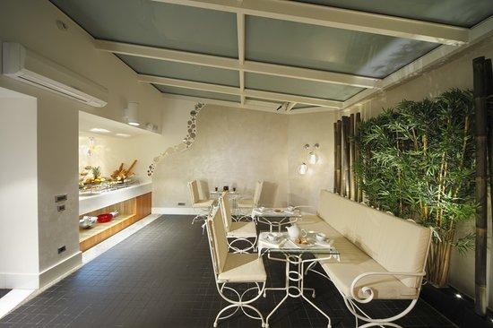 Biz Cevahir Hotel: Winter Garden