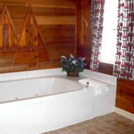 Pinewood Inn: Guest Room