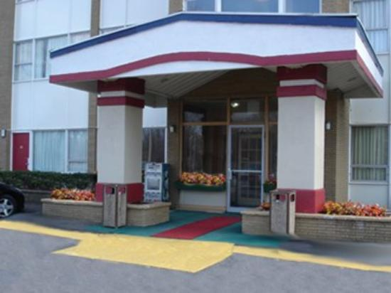 Red Carpet Inn And Suites : Exterior View