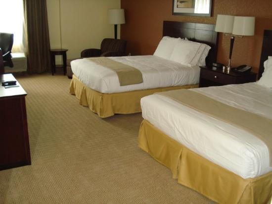 Holiday Inn Express and Suites Fort Lauderdale Executive Airport: Queen A