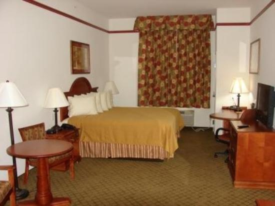 Budget Host Inn & Suites Cameron: KING