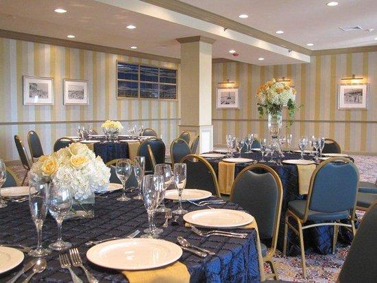Newport Beach Hotel and Suites : Newport Meeting Room