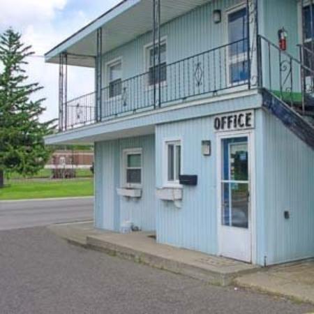Wood Motel