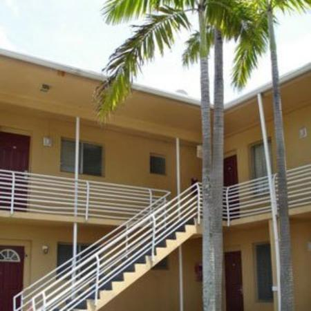 Travel Inn Fort Pierce: Exterior View