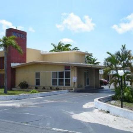 Travel Inn Fort Pierce: Exterior View