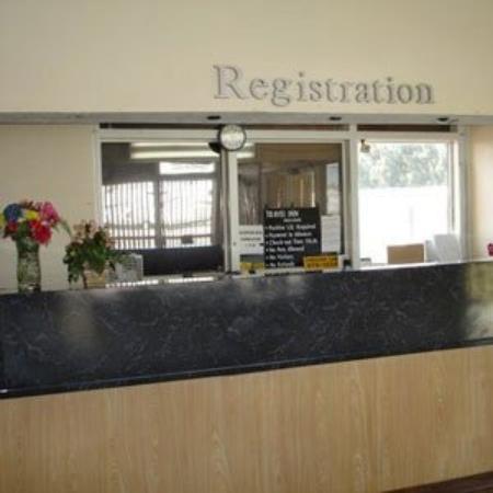 Travel Inn Fort Pierce : Lobby View