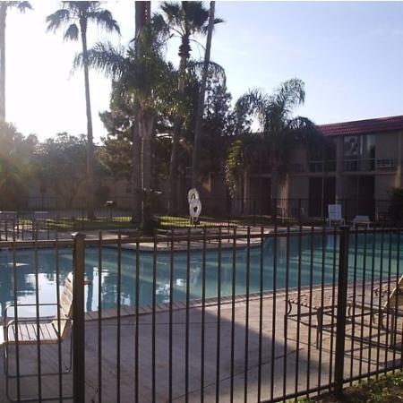 ValStay Inn & Suites: Pool View