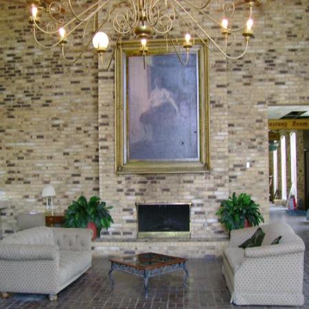 ValStay Inn & Suites: Lobby View