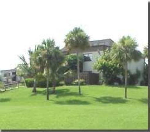 Sanibel Beach Club: Exterior View