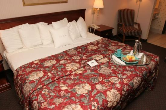 Four Points by Sheraton West Lafayette: Guest Suite Bedroom