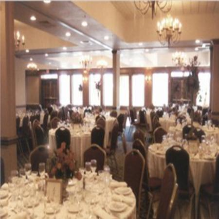 Bay Valley Hotel and Resort: Wide Shot Ballroom