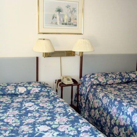 Tahoe Hacienda Inn: Guest Room -OpenTravel Alliance - Guest Room-