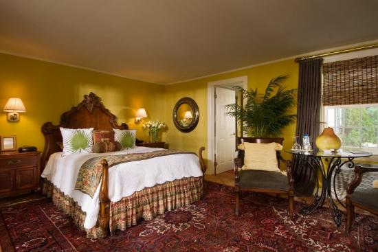 Homestead Inn: Guest Room