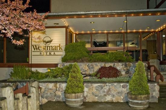 Westmark Sitka Hotel: Sitka Exterior