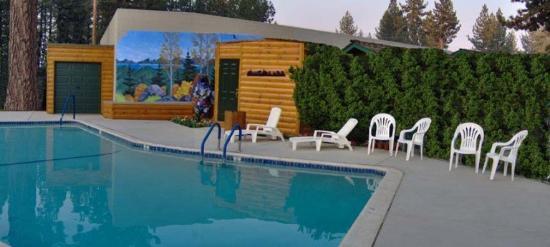 Tahoe Valley Lodge: Pool
