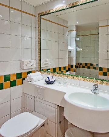 Best Western Plus Hotel Norge: Bathroom