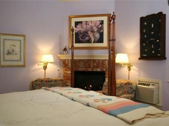 Inn at Occidental: Ivory Room