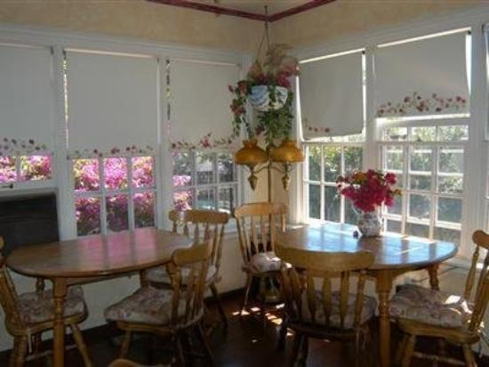 Madison Street Inn: Interior Dinning Room