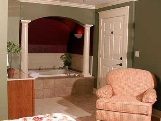 TimberCreek Bed & Breakfast: Other Hotel Services/Amenities