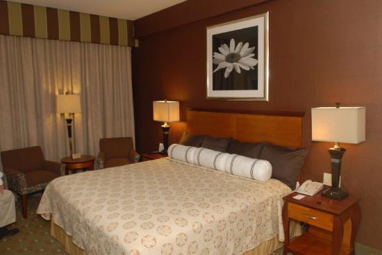 Best Western Plus Robert Treat Hotel : Guest Room