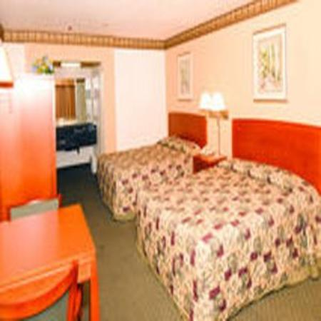 The Regency Inn & Suites, Riverside: Double Queen