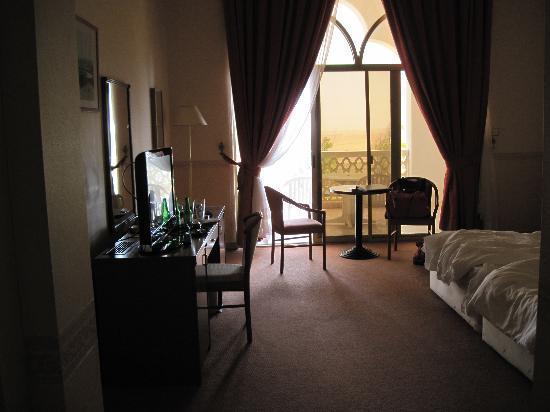 فندق ليوا: room