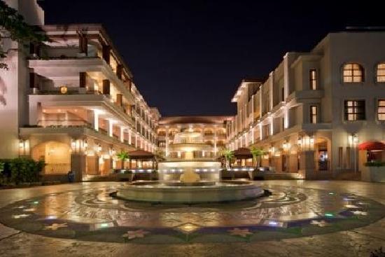 Casa del Rio Melaka: Hotel Facade Night Scene