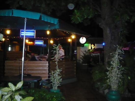 Manuela's Residence: MANUELA, POOL BAR