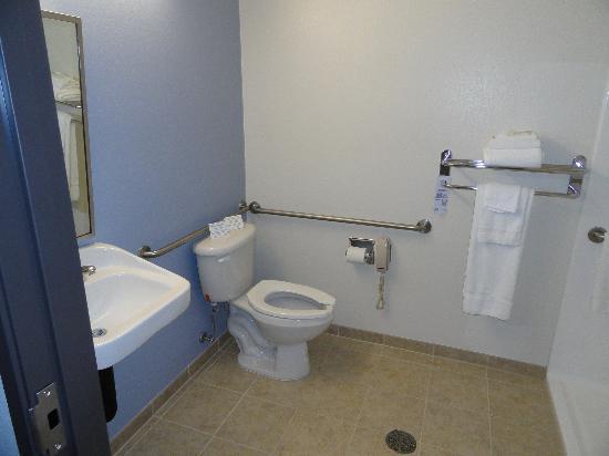 Microtel Inn & Suites by Wyndham Klamath Falls : 2