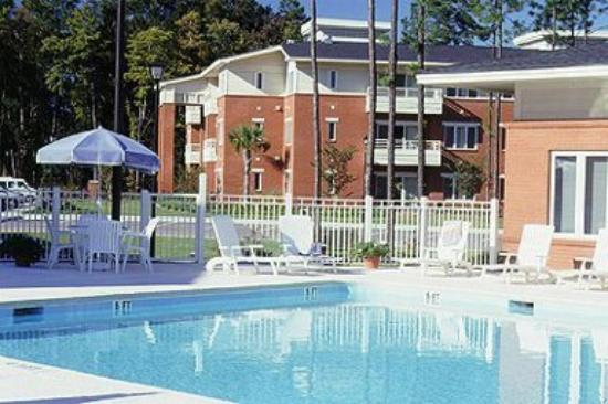 Wild Wing Resort, a Festiva Resort: Pool and Sundeck