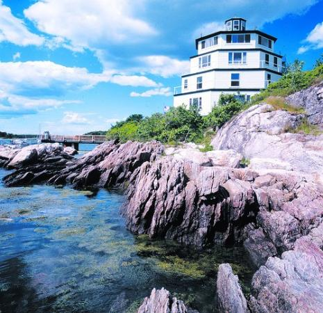 Sebasco Harbor Resort: Lighthouse Accomodations