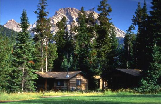 Jenny Lake Lodge: Cabin Exterior