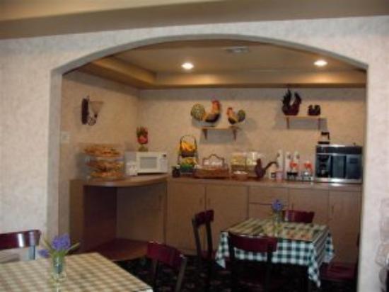 Tarzana Inn: Dining