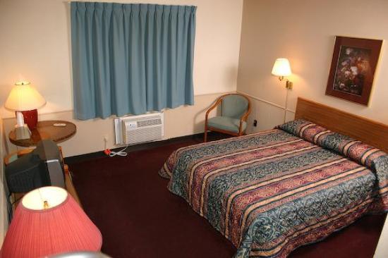 East Grand Inn: Guest room