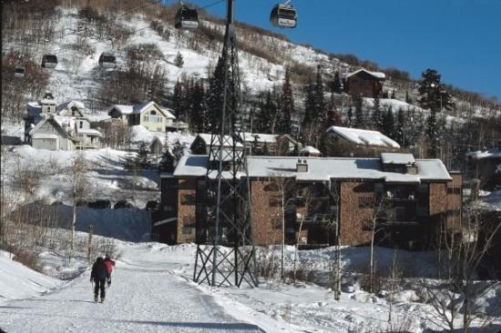 Ski Inn Condominiums: Ski-in/ski-out access