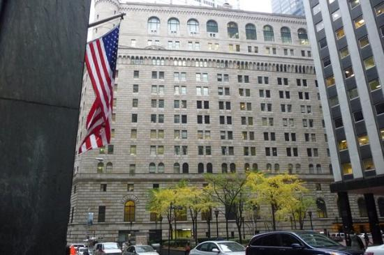 Federal Reserve Bank of New York: Fed from outside - No pics allowed inside