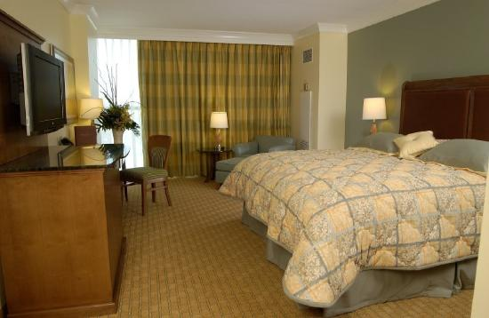 Island View Casino Resort : Guest room