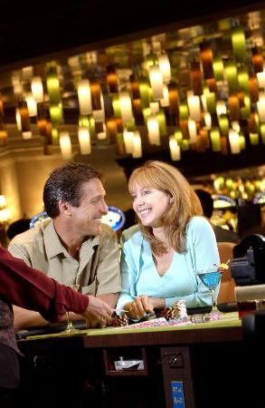 Island View Casino Resort: Bar/Lounge