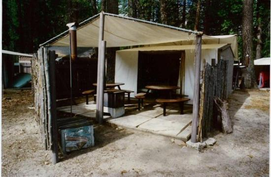 Housekeeping camp prices campground reviews yosemite for Cabins in yosemite valley