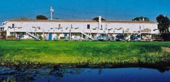 Sea Whale Motel: Exterior View