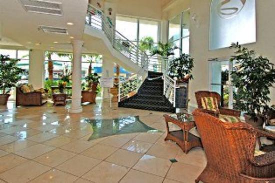 Boardwalk Inn and Suites: Lobby