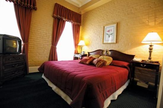 Chateau Dupre Hotel