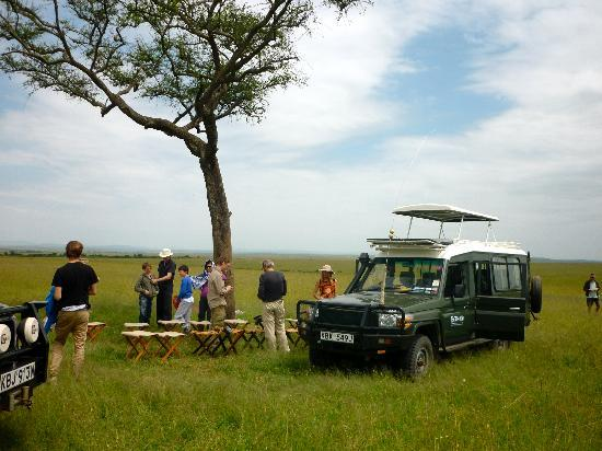 Entumoto Safari Camp: lunch in masai mara safari park
