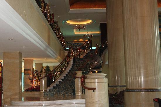 Shangri-La Hotel, Singapore: Taken in the foyer