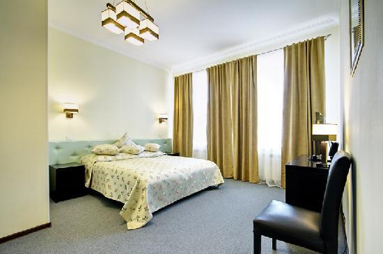 Roses Hotel: getlstd_property_photo