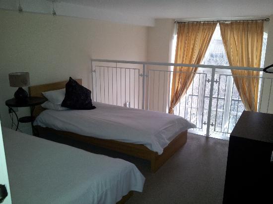 Bedroom Mezzanine mezzanine bedroom - picture of titanic spa apartments