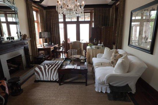 Singita Sasakwa Lodge: Our villa graden with pool and view