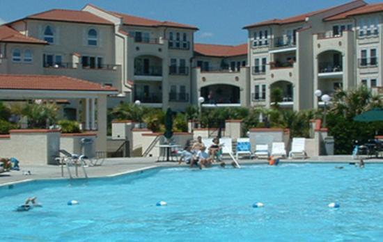 Surf City, NC: The pools are wonderful and very clean!